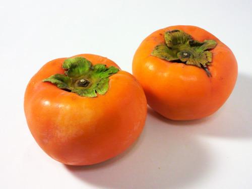 柿の栄養価が凄い!!柿は丸ごと薬になる優れた果物なのです!