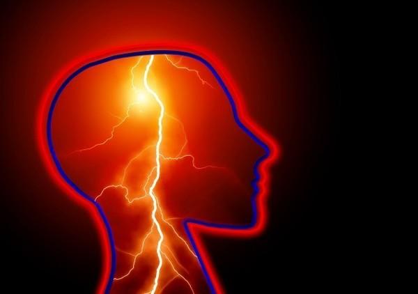 脳梗塞の前兆は目に表れる!?サインを見逃さないで!