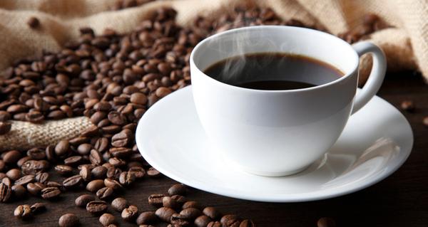 コーヒーや日本茶に含まれるカフェインが炎症を抑える可能性がある!?