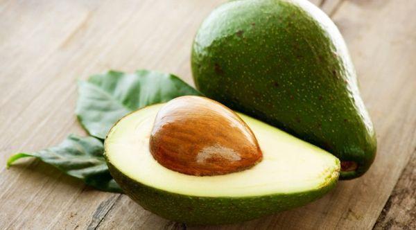 アボカドの種は捨てちゃダメ!!アボカドの種には約70%の栄養素が含まれている!