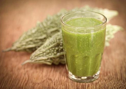 ゴーヤジュースとゴーヤ味噌汁の健康効果が凄すぎる!高血圧や動脈硬化・心臓病・糖尿病などの生活習慣病を予防してくれる!!