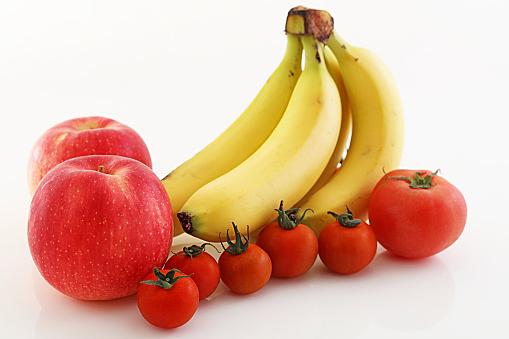 血圧の高い人はバナナとりんごを食べて!!血圧を下げる食べ物で圧倒的にバナナとりんごがオススメの理由とは!?