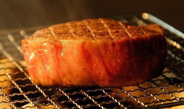 肉で長生きができる!?肉には老けない健康で長寿につながる凄まじいパワーがあった!